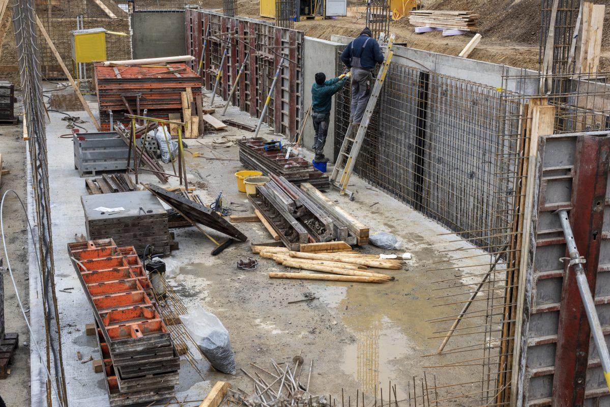 Construction des murs à Morzine