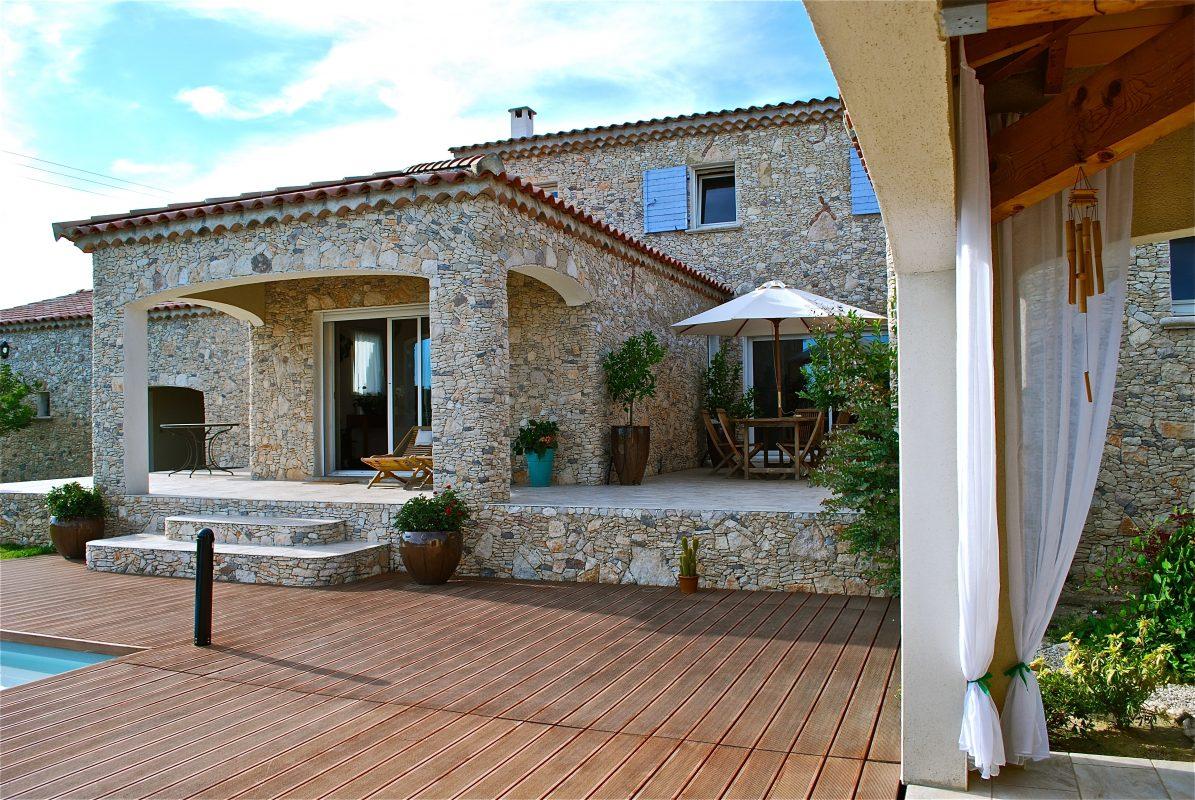 Villa en Pierre avec terrassement situé à Morzine